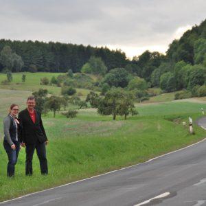 Carsten Krätschmer und Lisa Gnadl an der L3190