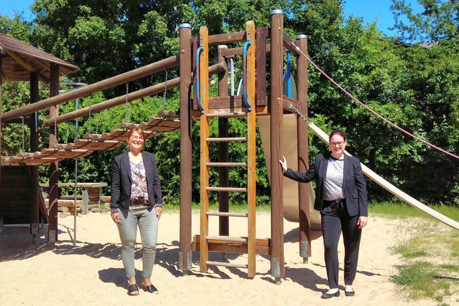 B. Hübschmann:Landtagsabgeordnete Lisa Gnadl (rechts) und die Ranstädter Bürgermeisterin Cäcilia Reichert-Dietzel (beide SPD)